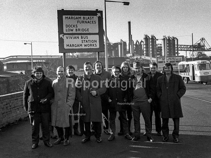 Pickets outside the Margam steelworks, Port Talbot, South Wales, during 1972 miners strike - Martin Mayer - 1972-01-21