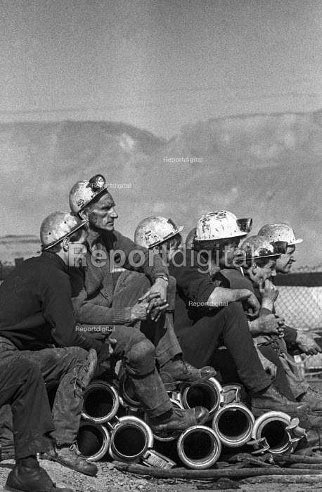 Miners at Lofthouse colliery, West Yorkshire, wait anxiously for word of those trapped underground during the disaster that claimed 7 lives. - Martin Mayer - 1973-03-23