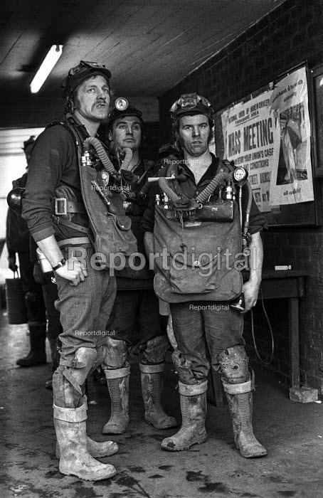 A rescue crew waiting to make another attempt to free 7 miners trapped in the flooded Lofthouse colliery, West Yorkshire - Martin Mayer - 1973-03-23