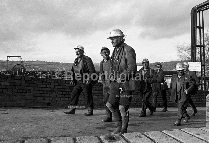 Miners leaving work at Oakdale pit, South Wales just before 1974 strike. - Martin Mayer - 1974-01-25