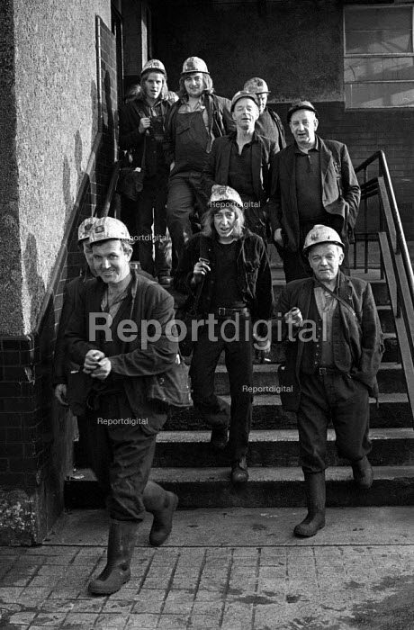 Miners in a confident mood leaving work at Oakdale pit, South Wales just before 1974 strike. - Martin Mayer - 1974-01-25