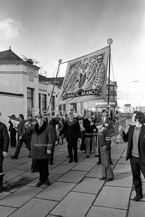 Trades union members from Stirling, Scotland march in support of miners from Polmaise pit - Martin Mayer - 1974-02-23