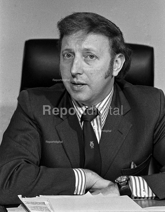 Arthur Scargill speaking at a Yorkshire Miners press conference at the end of the 1974 miners strike - Martin Mayer - 1974-03-09
