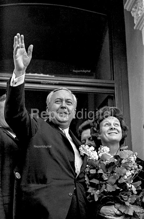 Labour Prime Minister Harold Wilson campaigning with his wife Mary during the 1970 election campaign - Martin Mayer - 1970-06-07