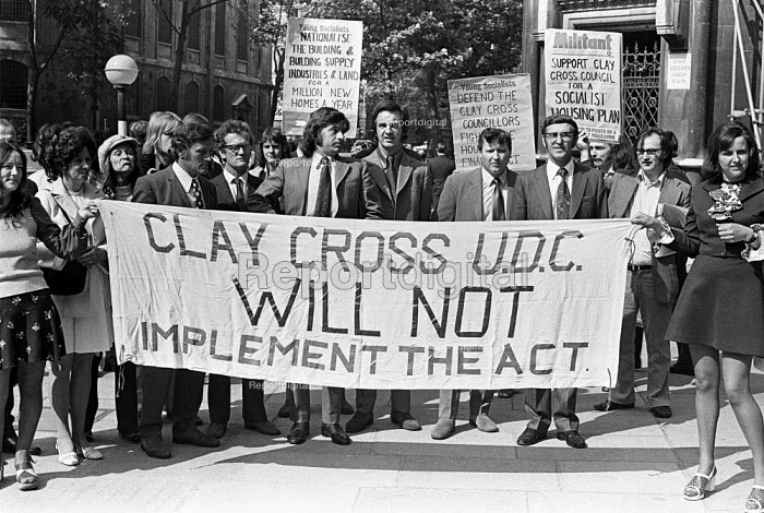 Clay Cross (North Derbyshire) councillors and tenants in London in support of their refusal to implement rent rises to council tenants as required under the Housing Finance Act. - Martin Mayer - 1973-04-08