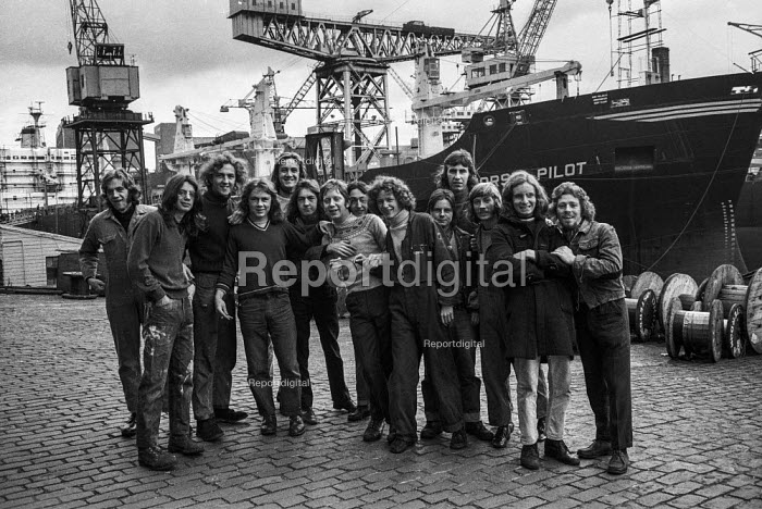 Young shipyard workers at Govan Shipyards, Glasgow, part of Upper Clyde Shipyards, after vote to occupy yard in a 'work-in' to fight threatened closure - Martin Mayer - 1971-08-08
