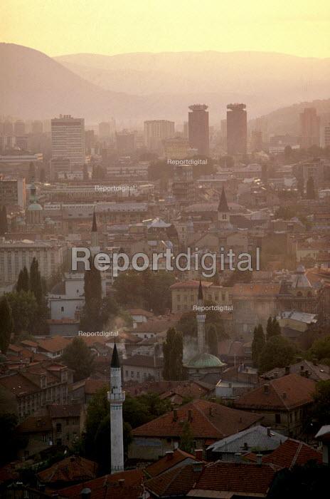 Sarajevo city, Bosnia, at sunset. - Martin Mayer - 1990-09-07