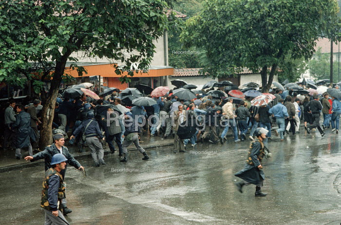 Riot police attack transport workers during demonstrations against the Muslim controlled council in Gorazde, Eastern Bosnia - Martin Mayer - 1990-09-10