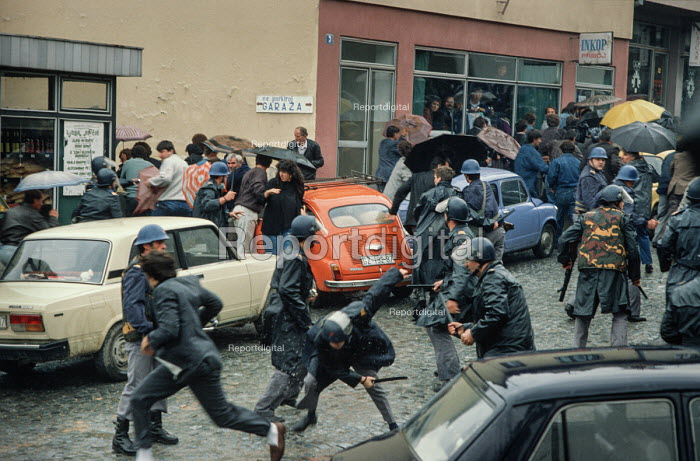 Riot police attack transport workers during a demonstration against the Muslim controlled council in Gorazde, Eastern Bosnia - Martin Mayer - 1990-09-10