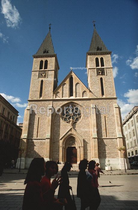 Roman Catholic cathedral, Sarajevo, Bosnia - Martin Mayer - 1990-09-12