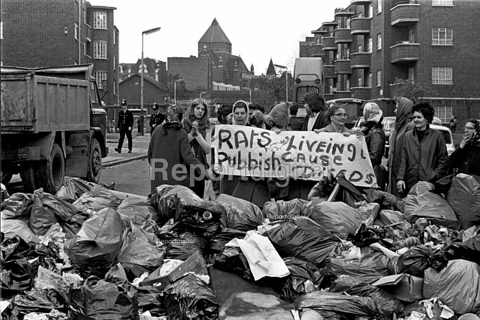 Council workers strike. Tenants protest at the rubbish mounting up outside their flats. - Martin Mayer - 1970-11-03