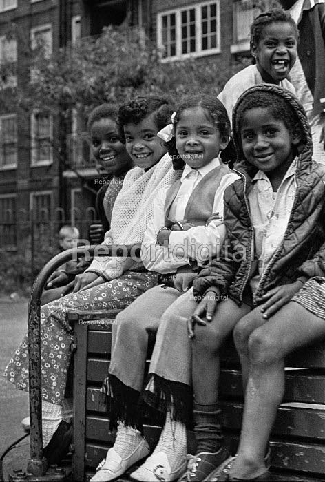 Children on a Brixton council estate, summer Ferndale Court, blocks of flats, 1970 - Martin Mayer - 1970-07-06
