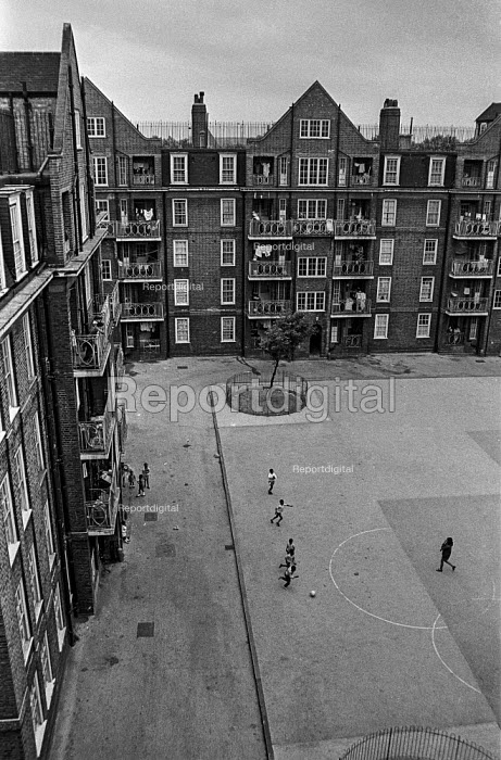 A 1920s council estate in Brixton, South London. Ferndale Court, blocks of flats, 1970 - Martin Mayer - 1970-07-06