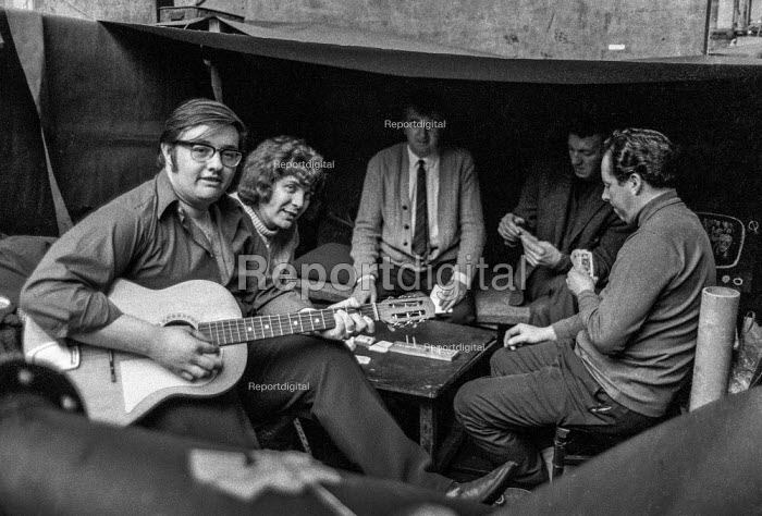 Workers at Mirrlees, Bickerton & Day Limited, diesel engine manufacturers at Hazel Grove near Stockport, Cheshire, are entertained during their occupation of the factory in support of a district wide claim for 6 pay increase, a 35 hour week, equal pay and longer holidays - Martin Mayer - 1972-04-01