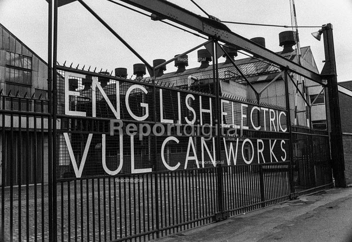 Gates of the English Electric Rushton and Paxton engineering factory, 1972, Newton-le Willows, Lancashire involved in occupation in support of district wide claim for 6 pay increase, a 35 hour week, equal pay and longer holidays - Martin Mayer - 1972-04-01