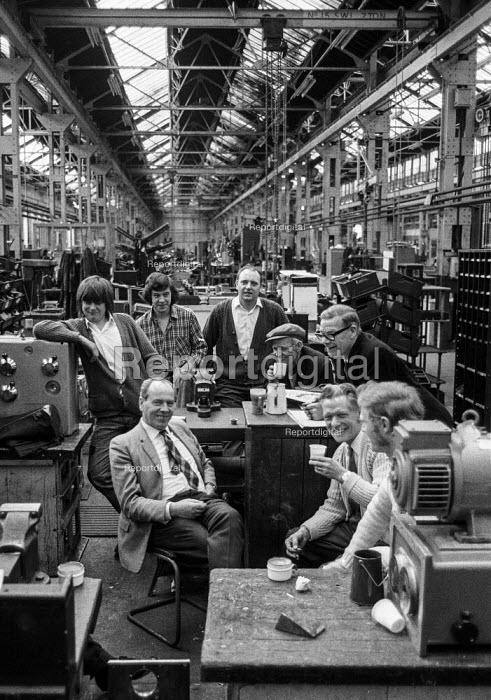 Workers at Kearns and Richards engineering, Broadheath, Manchester occupying their factory in support of a district wide claim for 6 pay increase, a 35 hour week, equal pay and longer holidays - Martin Mayer - 1972-04-15