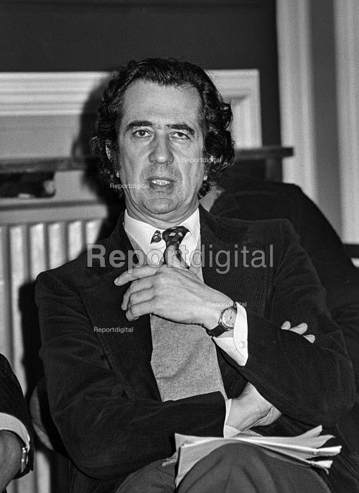 William Rogers MP at a Committee for Labour Victory meeting before his defection to the Social Democratic Party and then the Liberal Democrats - Martin Mayer - 1977-02-19