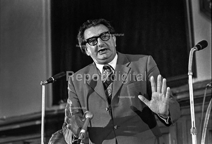 Eric Heffer, MP speaking at a Labour Party Special conference on EEC membership (later European Union) - Martin Mayer - 1975-04-26
