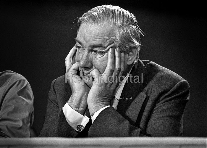 Jim Callaghan, Labour Party conference 1975 - Martin Mayer - 1976-10-01