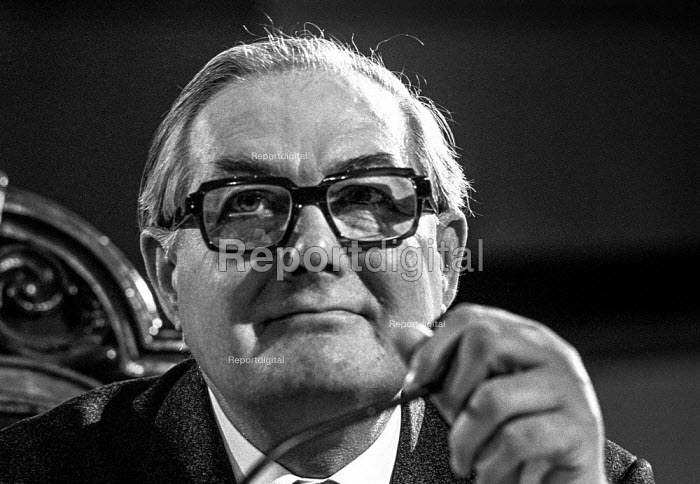 Jim Callaghan, Labour Party conference 1975 - Martin Mayer - 1975-11-27