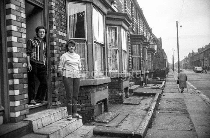 John and Shirley Bird outside their house in Stanfield Road, Liverpool, where they are on rent and rates strike in protest at terrible housing conditions. - Martin Mayer - 1972-04-26