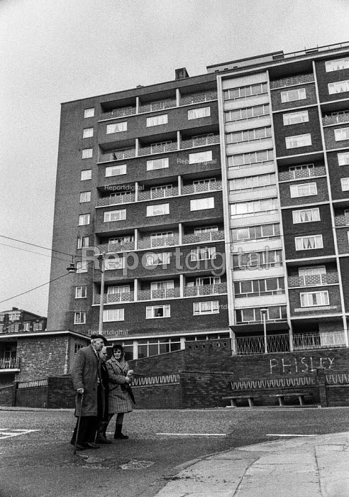 New high rise council housing in Everton, Liverpool, built after demolition of terraced streets of slums - Martin Mayer - 1972-04-26