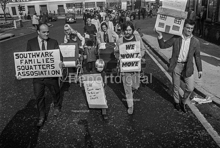 Squatter families march to Southwark Town Hall to in a protest at shortage of housing, London - Martin Mayer - 1970-10-09