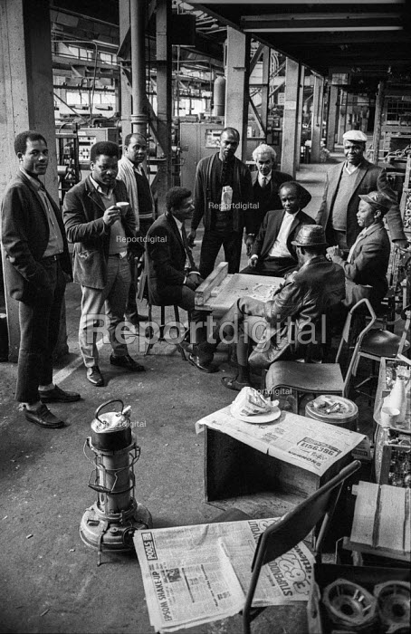 Workers occupy their factory Stanmore Engineering Diecastings Ltd., London, in support of a pay claim. - Martin Mayer - 1972-05-22