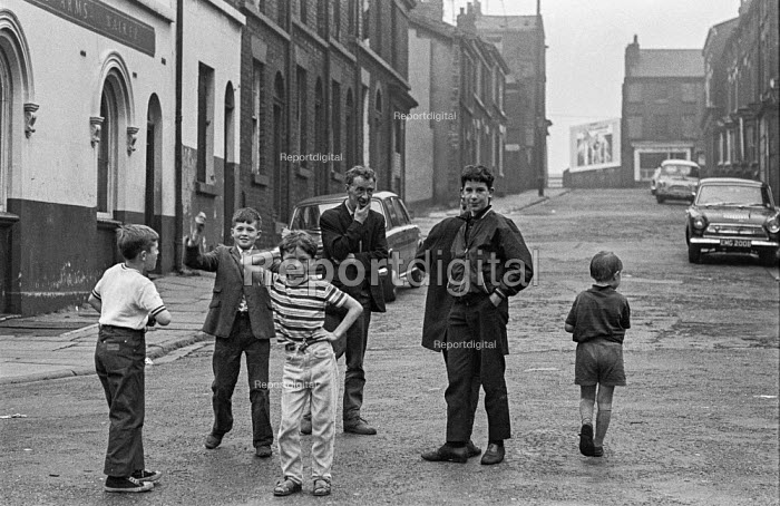 Children playing in the street in Ashton-under-Lyne, Greater Manchester, Lancashire just before the traditional Wakes Week holiday - Martin Mayer - 1970-08-10