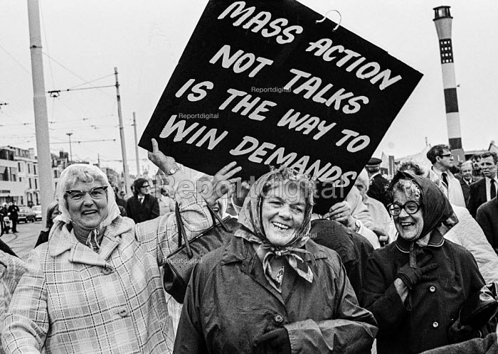 Pensioners protesting for higher payments TUC conference, Blackpool 1973. Mass action is thw way to win demands - Martin Mayer - 1973-09-02
