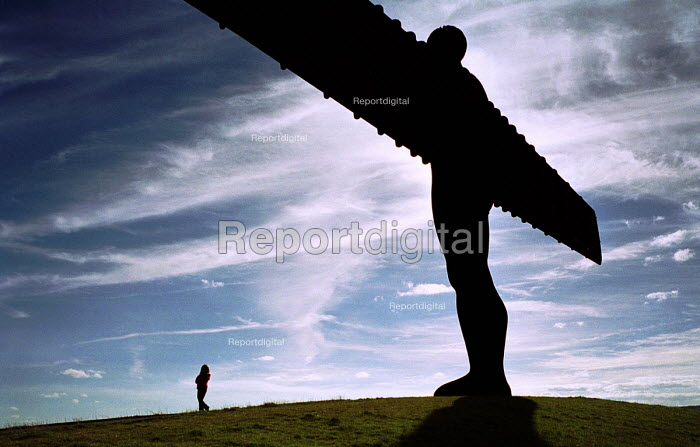 Angel of the North, Gateshead On Tyne, February 1999. - Mark Pinder - 1999-02-04