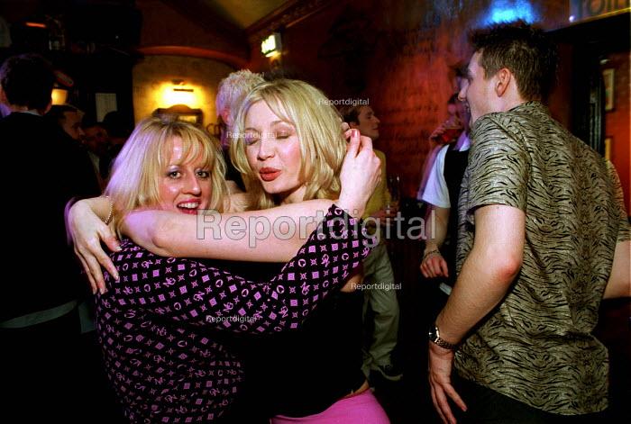 Dancing at Heavens Above gay bar, Newcastle Upon Tyne. - Mark Pinder - 2000-04-07