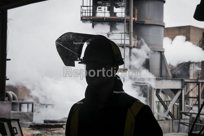 Steelworkers at the blast furnace SSI UK Redcar steelworks Teesside - Mark Pinder - 2014-04-02