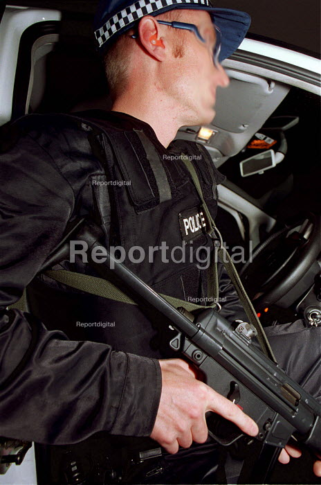 Armed Police, firearms and tactical training at the Cleveland and Durham Police Tactical Training Centre, Stockton. - Mark Pinder - 2001-08-08