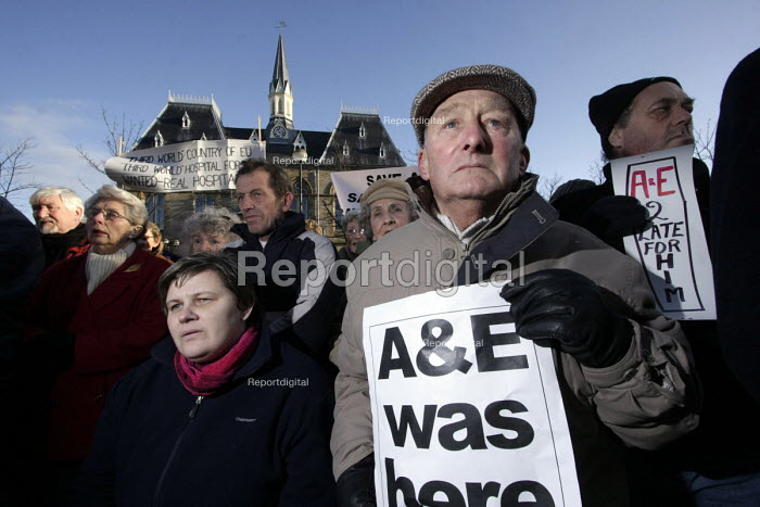 """Around 800 people gather in Bishop Auckland to protest at plans to close Bishop Auckland General Hospitals acute medical services and accident and emergency department.Bishop Auckland, Co"""" Durham, 6/12 2008. - Mark Pinder - 2008-12-06"""