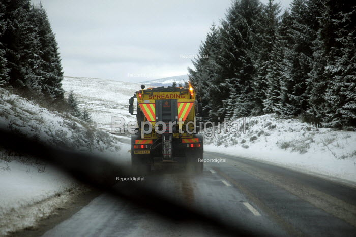 A Northumberland County Council road gritting lorry spreading salt on the C200 road near Kielder, Northumberland, 9/2 2009. - Mark Pinder - 2009-02-09