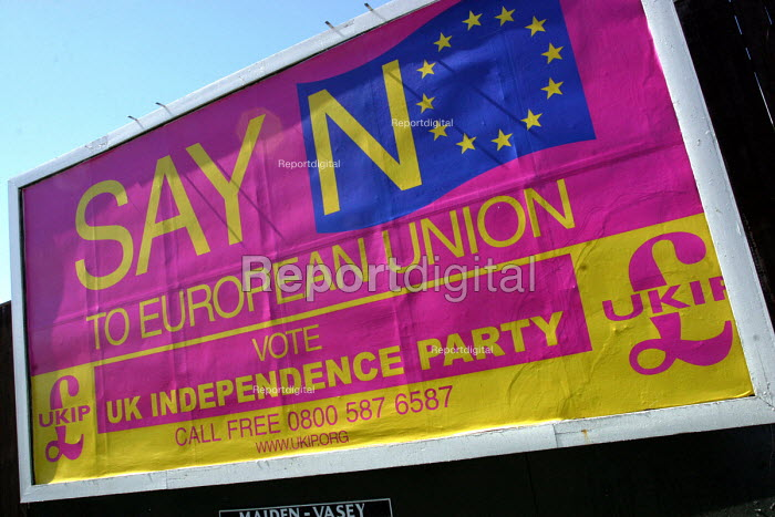 Say No To European Union. A european election poster on behalf of the UK Independence Party, Elswick area of Newcastle Upon Tyne, 19/5 2004. - Mark Pinder - 2004-05-19
