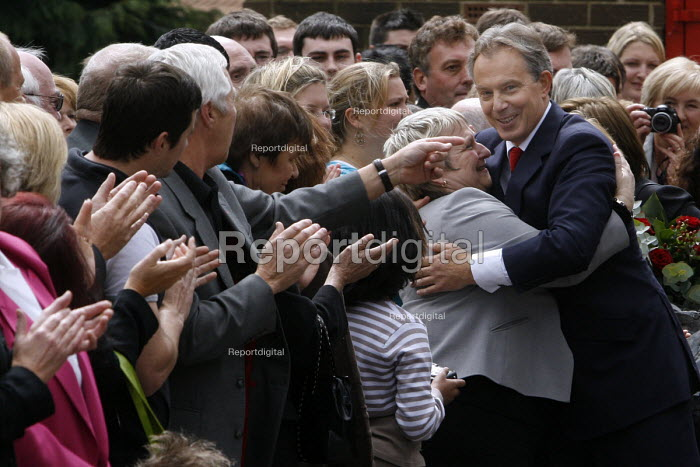 Prime Minister Tony Blair on the day he announced his resignation schedule, Trimdon Labour Club, Trimdon Village, Co Durham. 10/5 2007. Blair leaving the labour club after his speech. - Mark Pinder - 2007-05-10