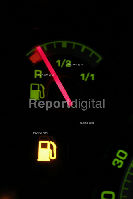 A car fuel gauge showing almost empty. 12/9 2005. - Mark Pinder - 2005-09-12