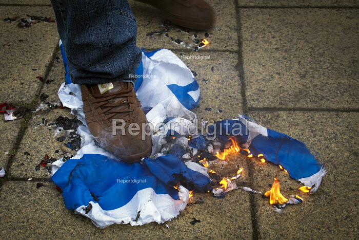 Burning the Israeli flag, Alliance of fascist groups including the British Movement, National Alliance and Azov hold a White Man March rally, Newcastle Upon Tyne - Mark Pinder - 2015-03-21