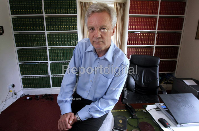 Conservative MP David Davis, who resigned as MP, (and shadow minister), to force a by-election on issues of civil liberties and against the Government's 42-day detention plan. At his home near Howden, Yorkshire. 25/6 2008. - Mark Pinder - 2008-06-25