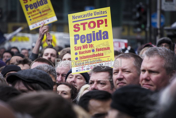 Anti Pegida march and rally attended by around 3000, Newcastle Upon Tyne - Mark Pinder - 2015-02-28