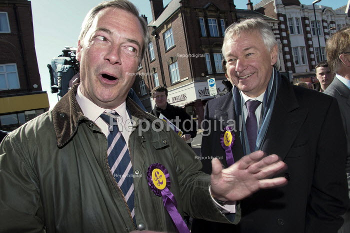 UKIP leader Nigel Farage campaigning during the 2013 South Shields by-election, Tyne and Wear, UK. Farage with the UKIP candidate Richard Elvin. - Mark Pinder - 2013-04-30