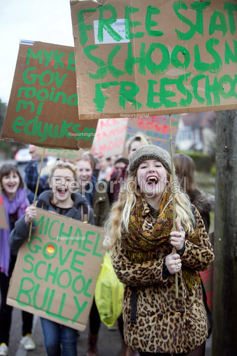 Students and pupils protest against Michael Gove visiting Marling school, Stroud, Gloucestershire. - Paul Box - 2014-01-10