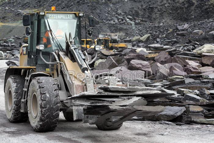 Welsh Slate, Penrhyn quarry, Bethesda, North Wales. - Paul Box - 2013-08-12