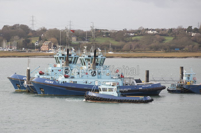 Fawley Oil Terminal Tugs, Southampton Water - Paul Box - 2015-01-07