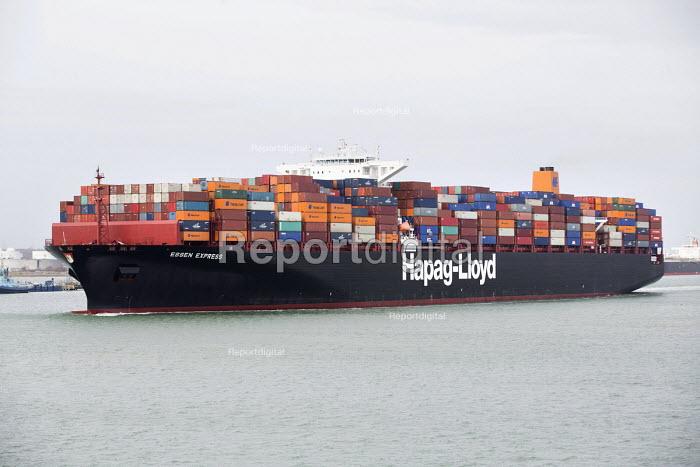 Essen Express near Southampton and the Isle of Wight - Paul Box - 2015-01-07