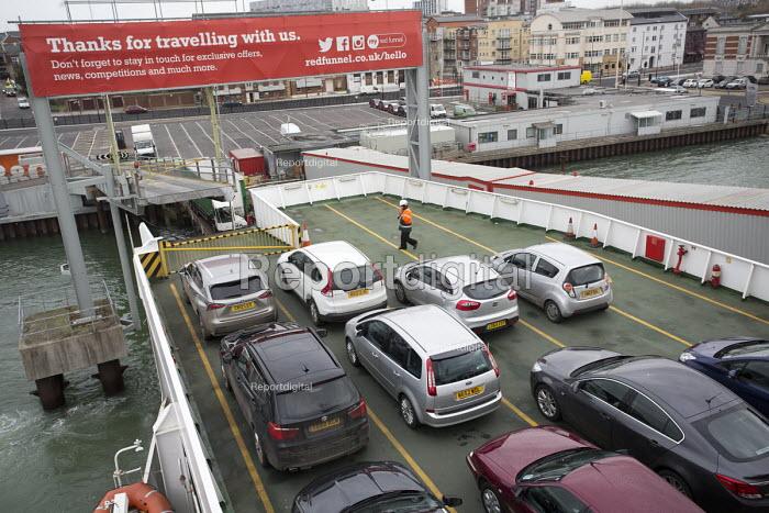 Red Funnel car ferry, Southampton - Paul Box - 2015-01-07