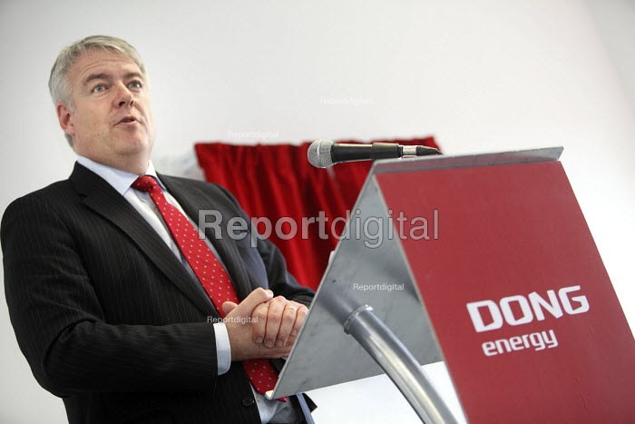 Carwyn Jones, First Minister of Wales opens the new power station. DONG Energy gas fired Severn Power Station in Uskmouth, South Wales. It is a very efficient natural gas power station. - Paul Box - 2011-02-13