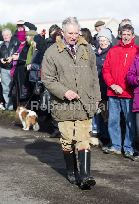 Prince Charles visits in Moorland, Somerset after the river Parrett breaks its banks. - Paul Box - 2014-02-04